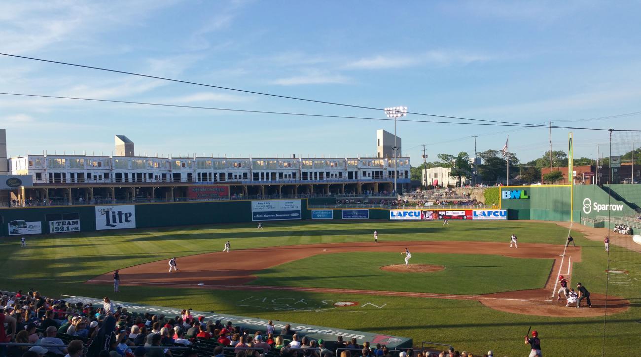 lansing lugnuts baseball stadium apartments