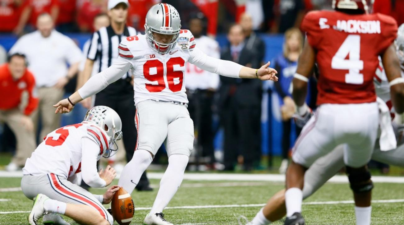 Ohio State offensive coordinator gets hit in the head by kickers field goal attempt