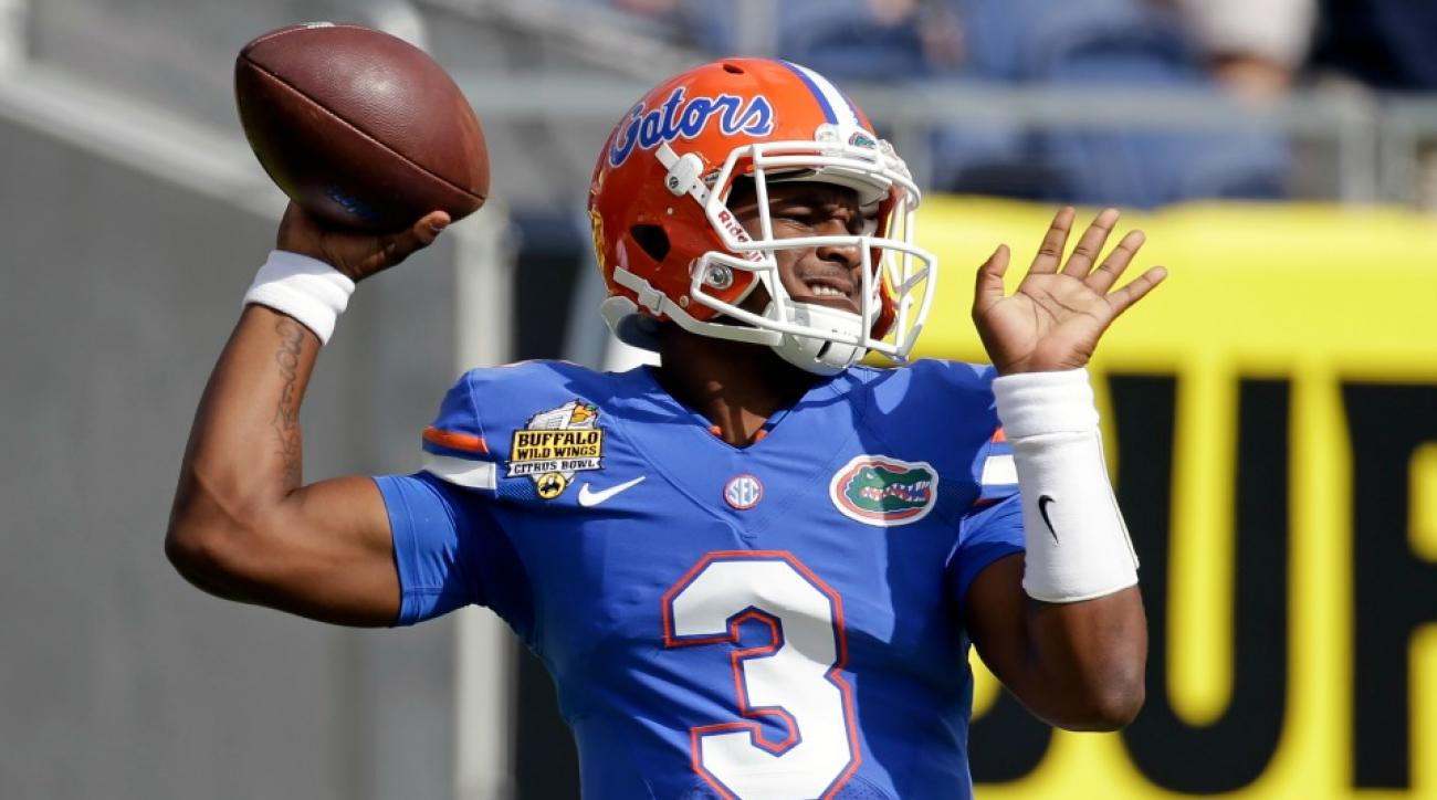 Florida quarterback Treon Harris catches touchdown pass against Michigan in Citrus Bowl