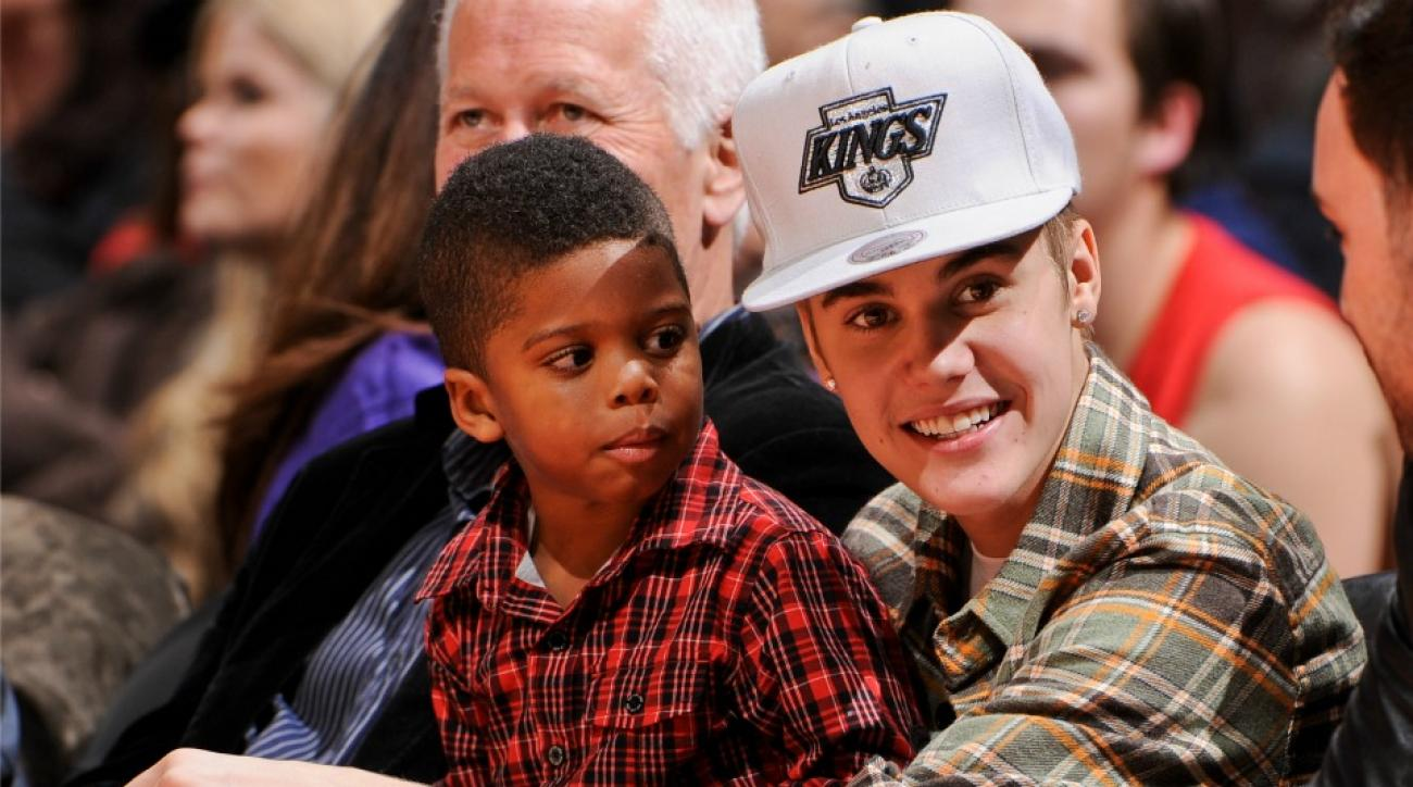 Justin Bieber is voting for Chris Paul to start in All-Star Game