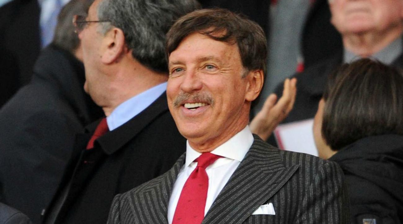 Rams owner Stan Kroenke gets a gift of animal dung from St. Louis fan