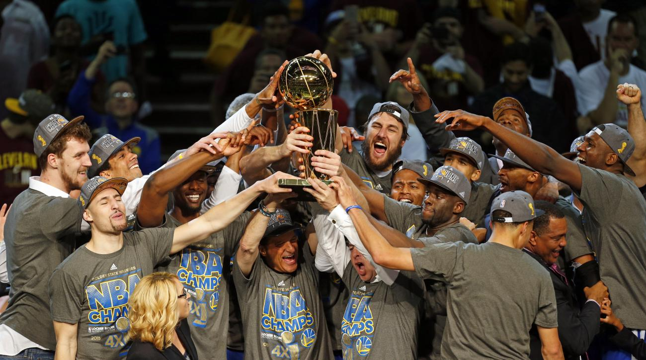 golden-state-warriors-cleveland-cavs-champagne-comment