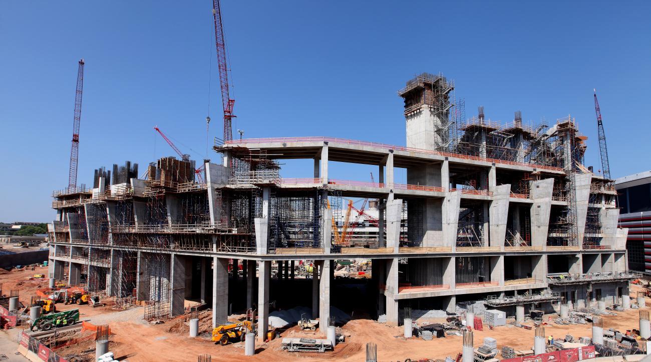 Mercedes-Benz Stadium construction behind schedule