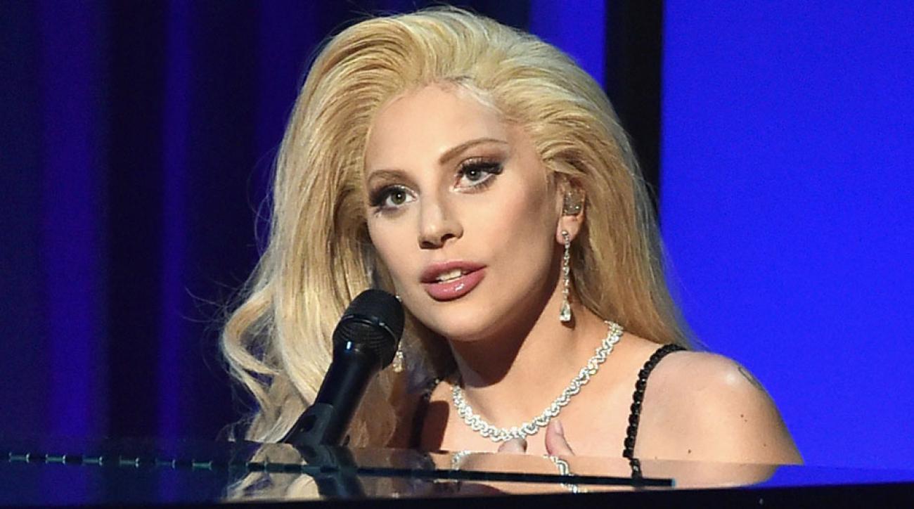 Lady Gaga singing national anthem at Super Bowl 50 | SI.com