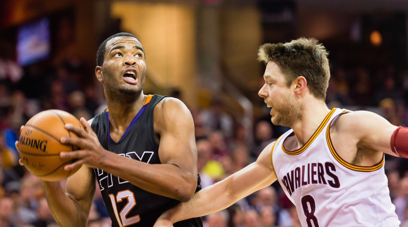 T.J. Warren ruled out with broken foot