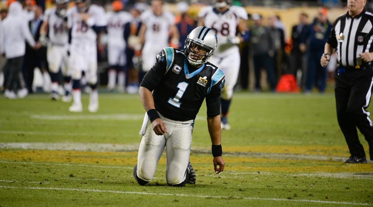 cam-newton-fumble-panthers-broncos-super-bowl
