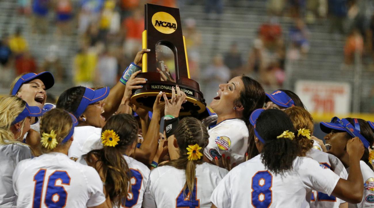 2015-florida-gators-nationa-champs-softball