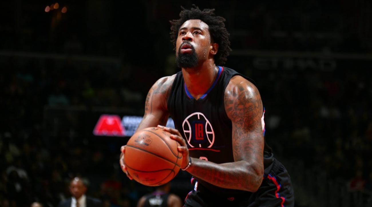Los Angeles Clippers DeAndre Jordan is secretly right handed according to JJ Redick
