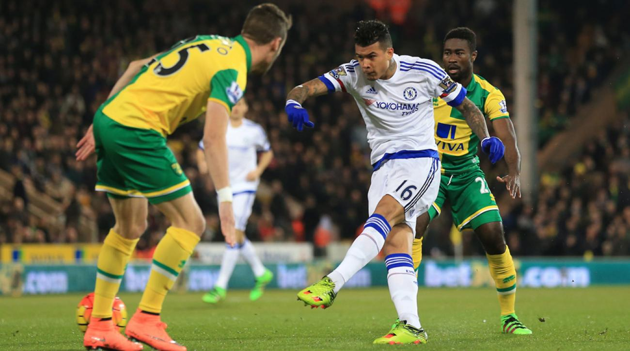 Kenedy scores in the first minute against Norwich City
