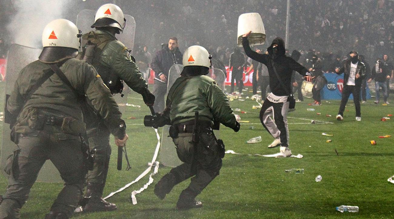 olympiakos paok fan violence greek cup match suspended video