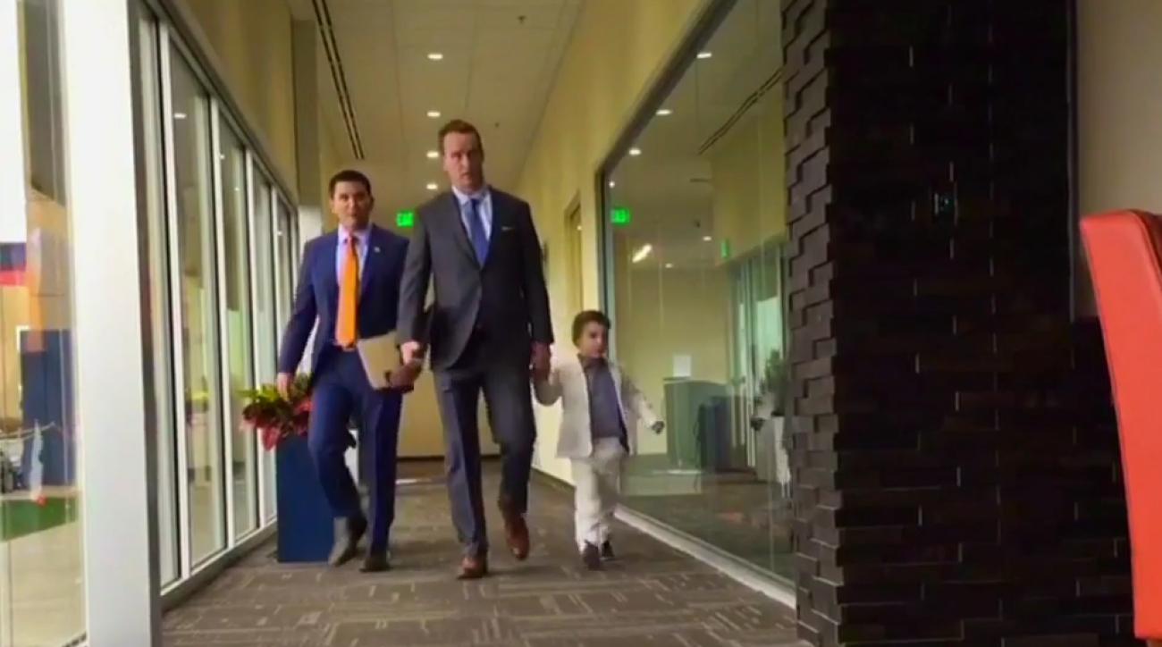 peyton manning son suit