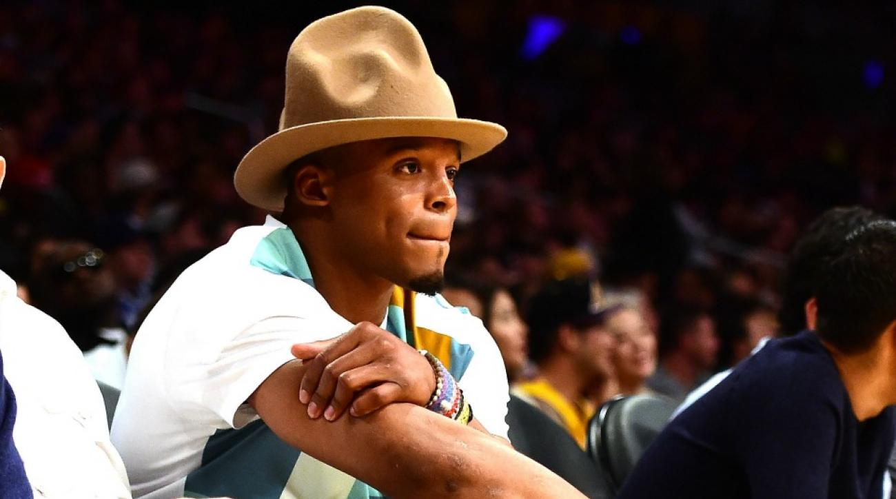 Carolina Panthers Cam Newton wore a silly hat to Lakers Cavaliers game