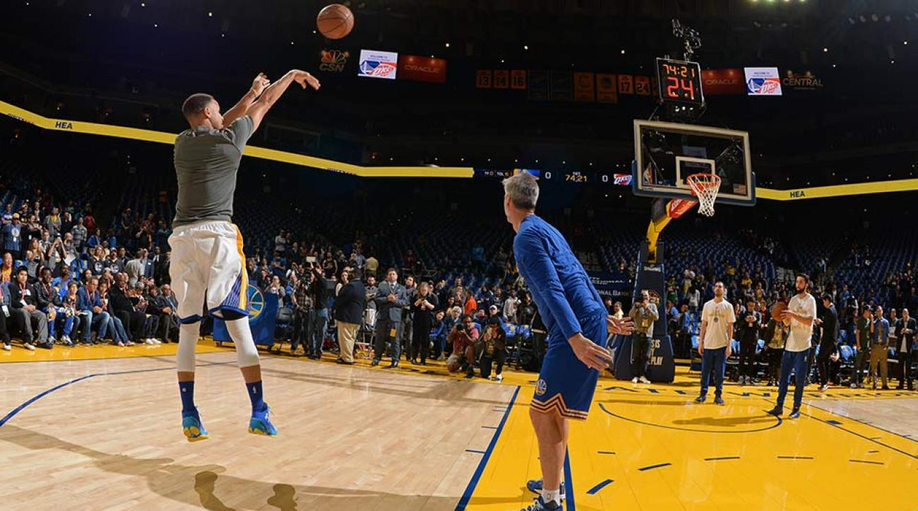 50eaa8620bcf Stephen Curry s shot  Examining Warriors star s jumper
