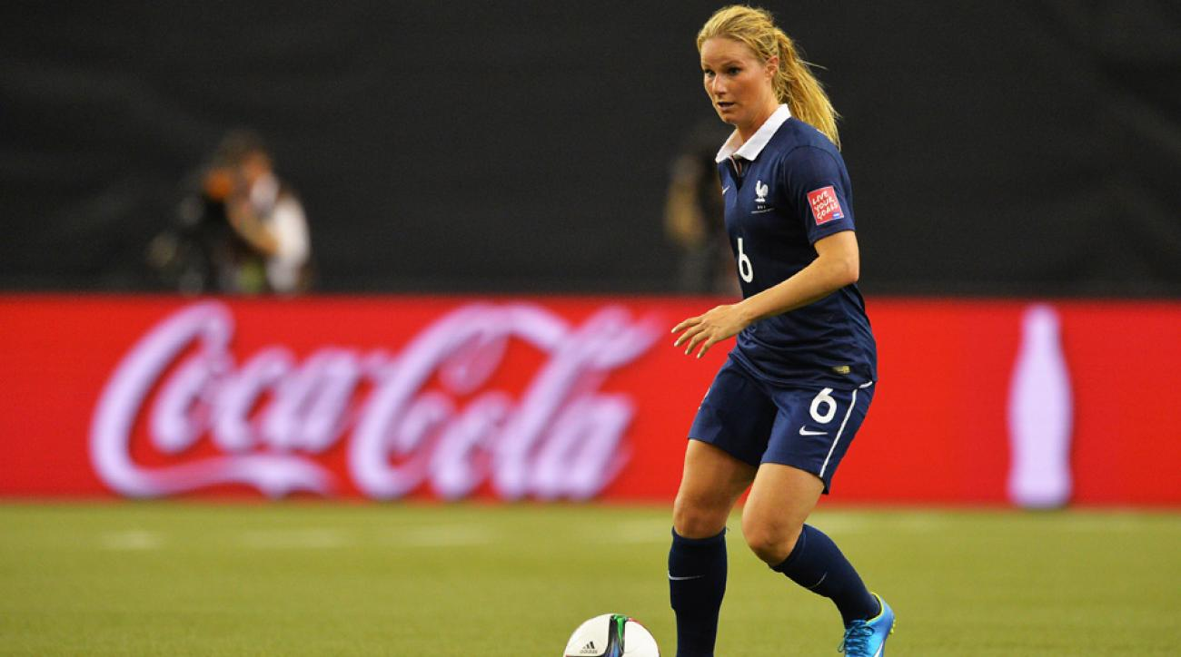 Amandine Henry joins the NWSL's Portland Thorns