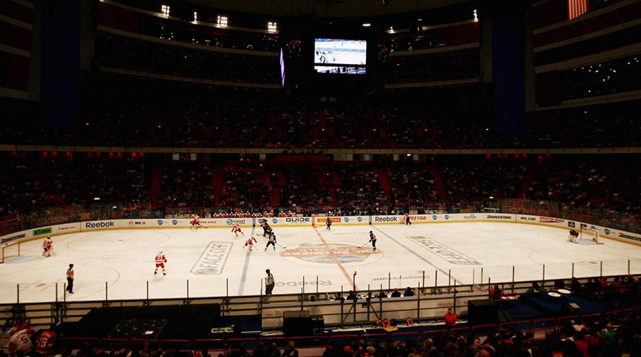 swedish-hockey-player-suspended-crosscheck