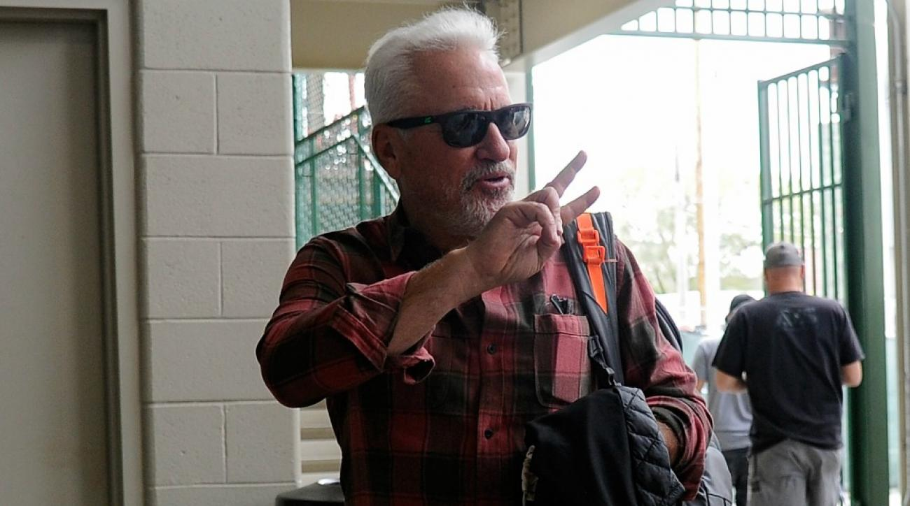 Joe Maddon has an odd dress code in place for the Cubs