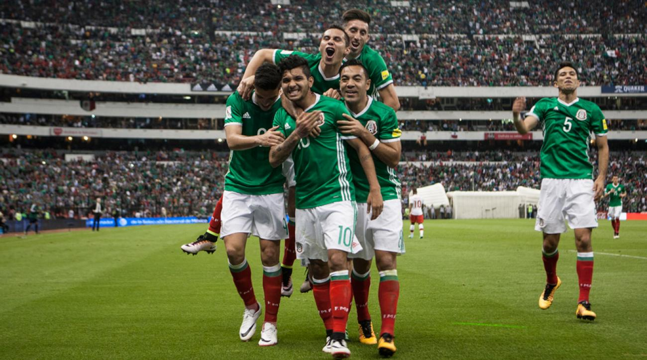 Mexico beats Canada to advance to the final round of CONCACAF World Cup qualifying