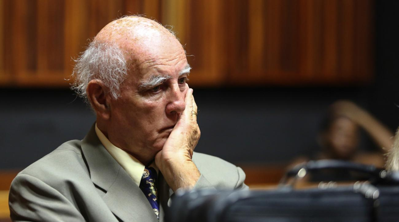 bob hewitt expelled tennis hall of fame