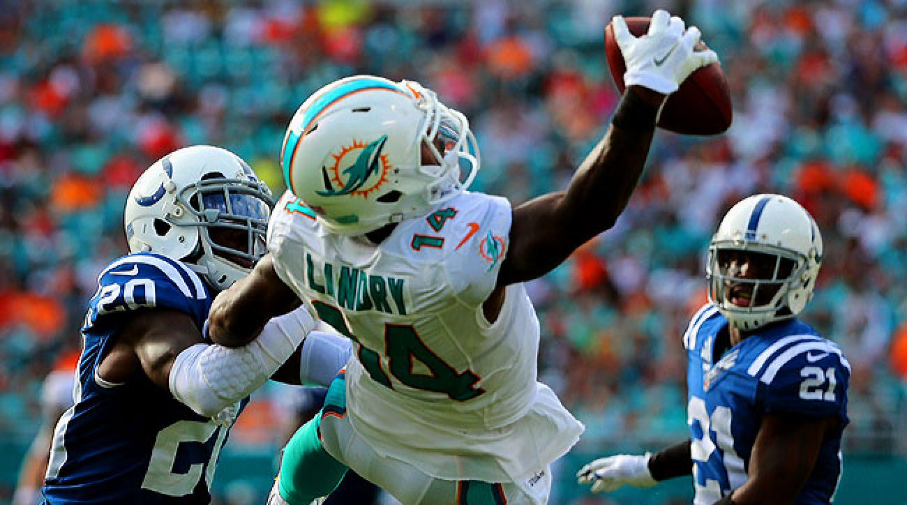 Jarvis Landry makes a one-handed grab against the Colts last December.