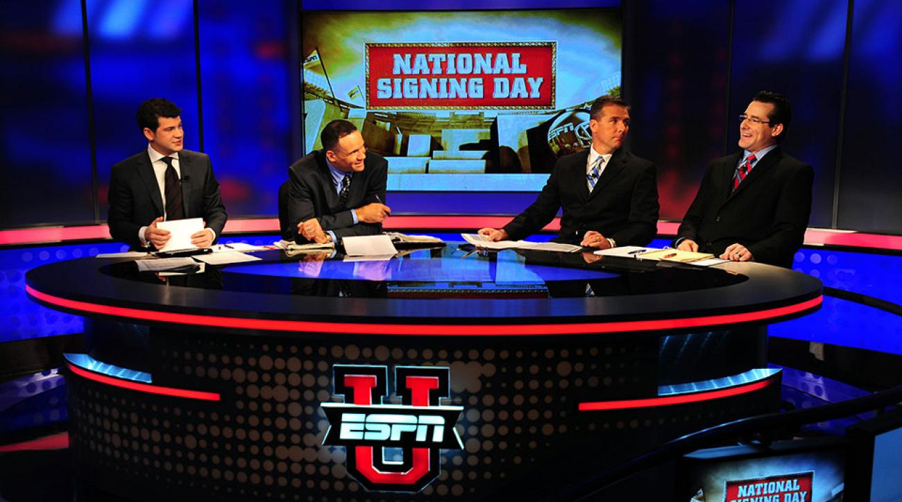 Robert Smith, second from left, will not return to ESPN.