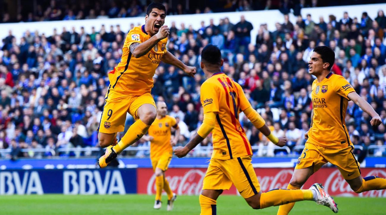 Luis Suarez celebrates his goal vs. Deportivo de la Coruna for Barcelona