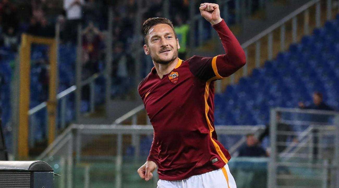 Francesco Totti celebrates his goal for Roma vs. Torino
