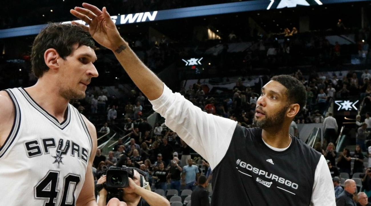 San Antonio Spurs' Tim Duncan wore a novelty T-shirt