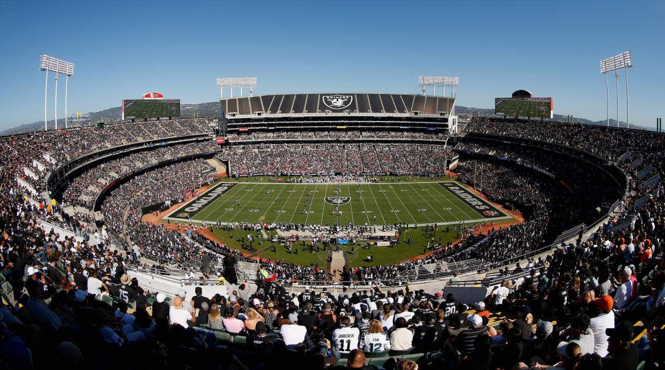 oakland raiders first season ticket sellout
