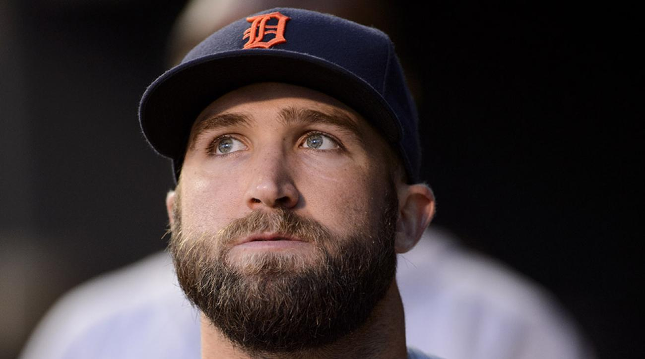 tigers tyler collins middle finger fans video