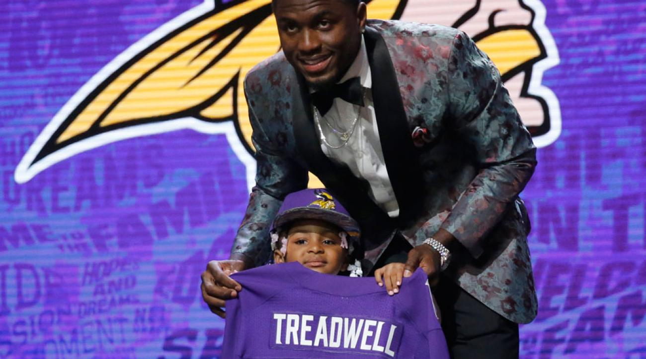 Laquon Treadwell daughter roger goodell nfl draft video