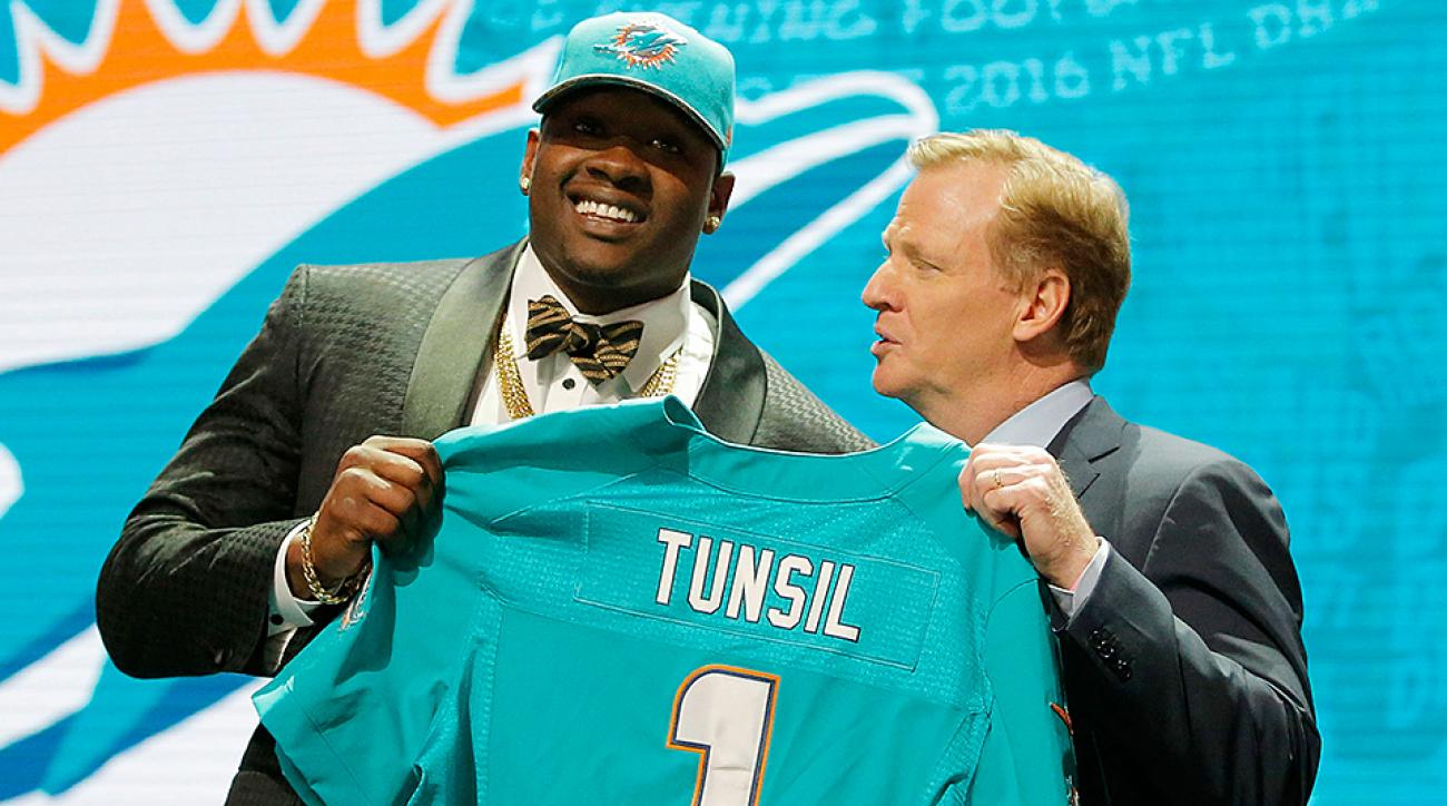 NFL draft 2016: Laremy Tunsil's hacked Twitter account