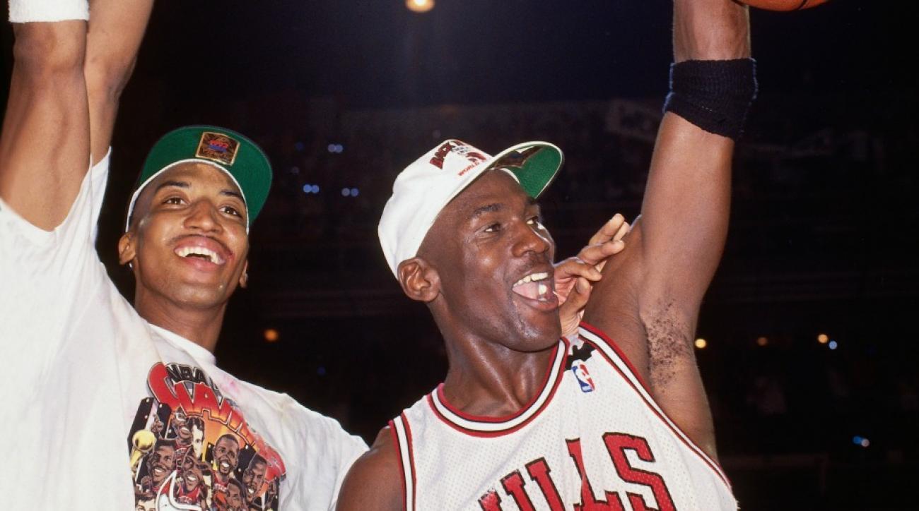 Michael Jordan, Scottie Pippen reunite at Hornets–Heat game