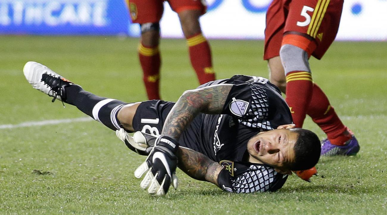 Nick Rimando makes an insane double save against the Houston Dynamo
