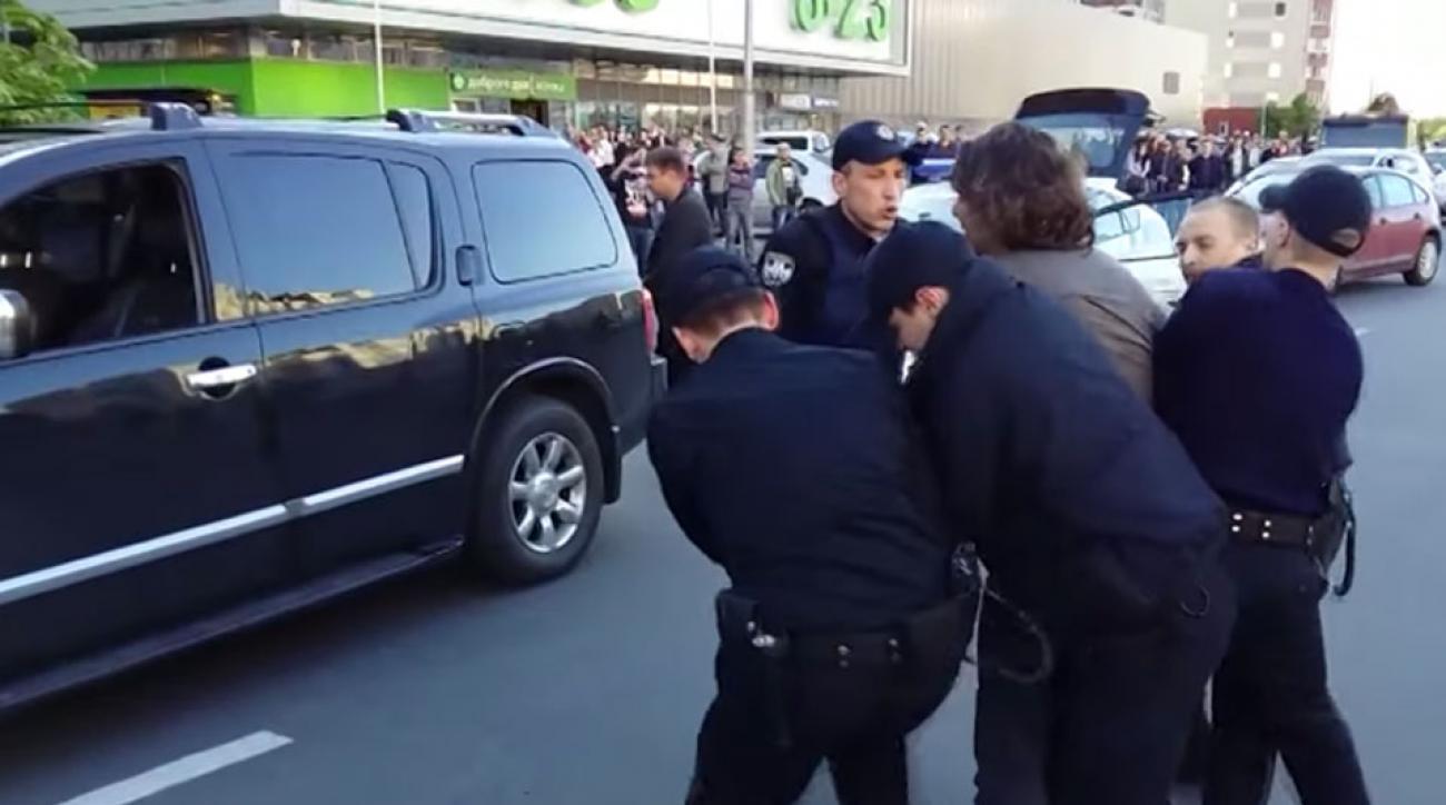 vyacheslav oliynyk fights police video drunk driving olympics