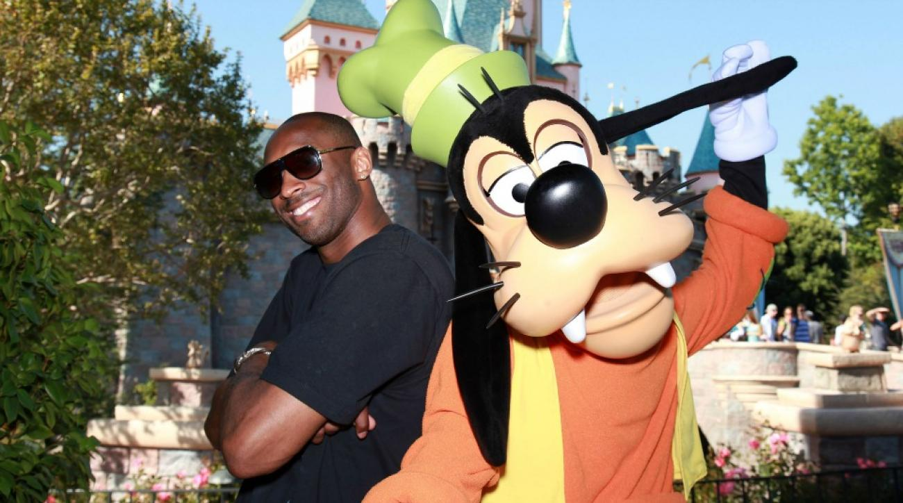 lakers kobe bryant went to disneyland got bothered by fans si com