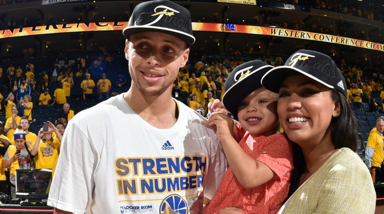 Stephen and Ayesha Curry talk about their first kiss