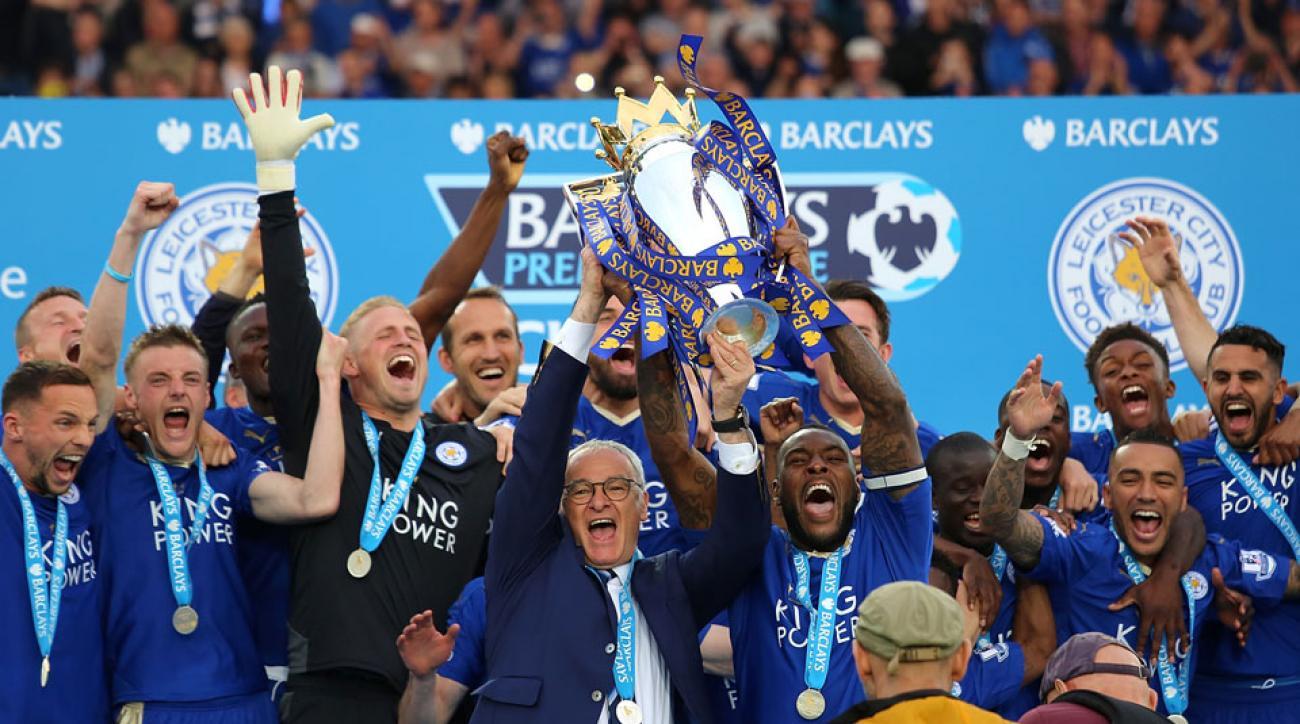 Leicester City lifts the Premier League trophy