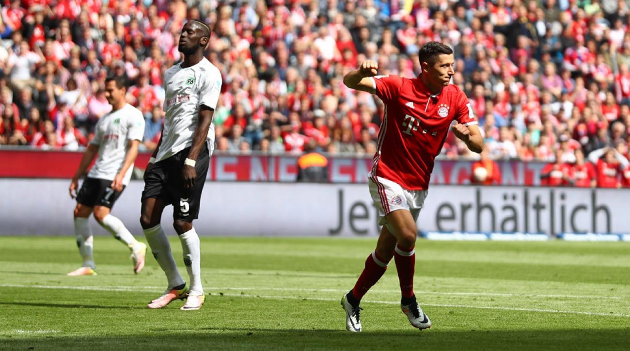 Robert Lewandowski nets his 30th goal of the season in Bayern Munich's finale