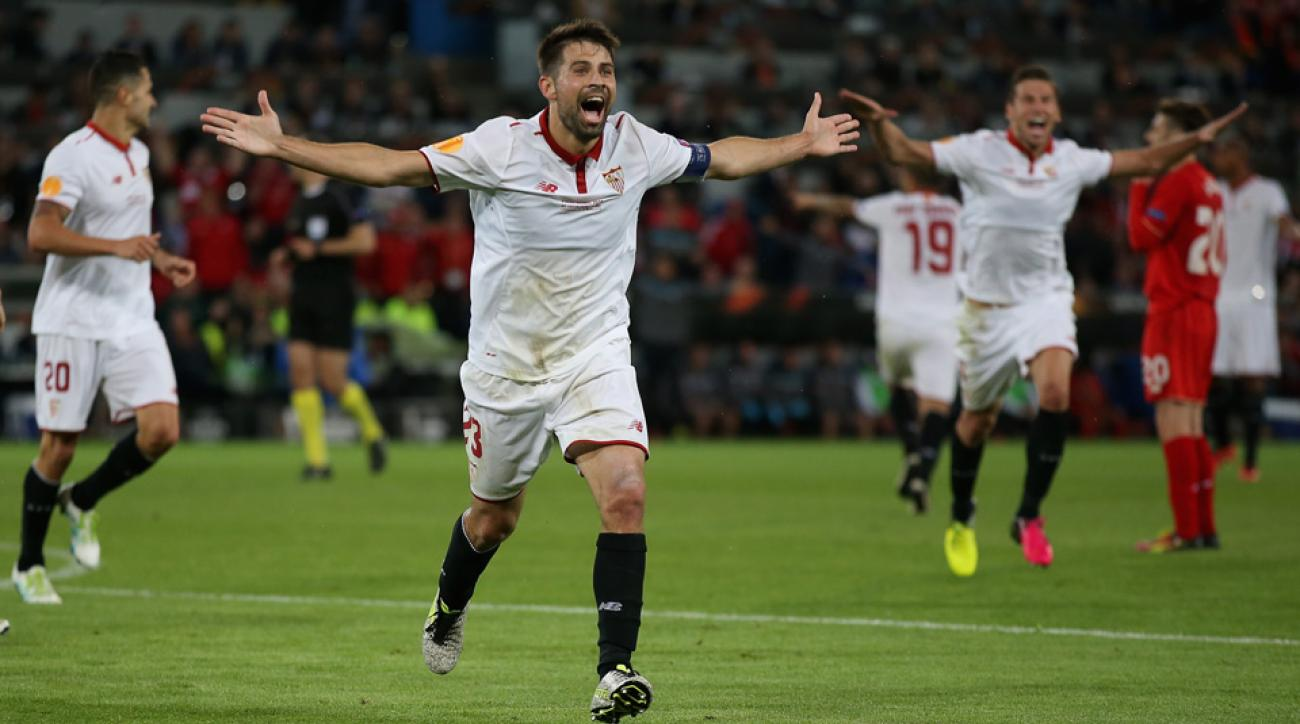 Coke celebrates his goal for Sevilla in the Europa League final