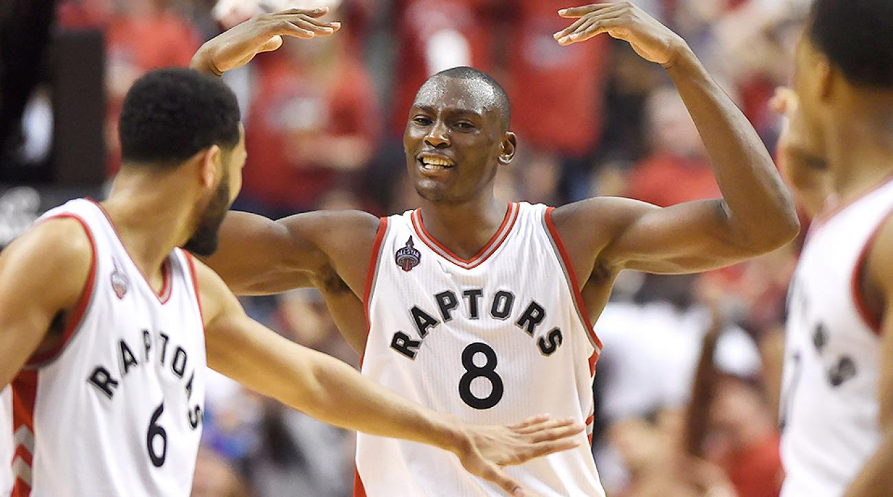 nba-playoffs-bismack-biyombo-cavaliers-raptors-game-3-video