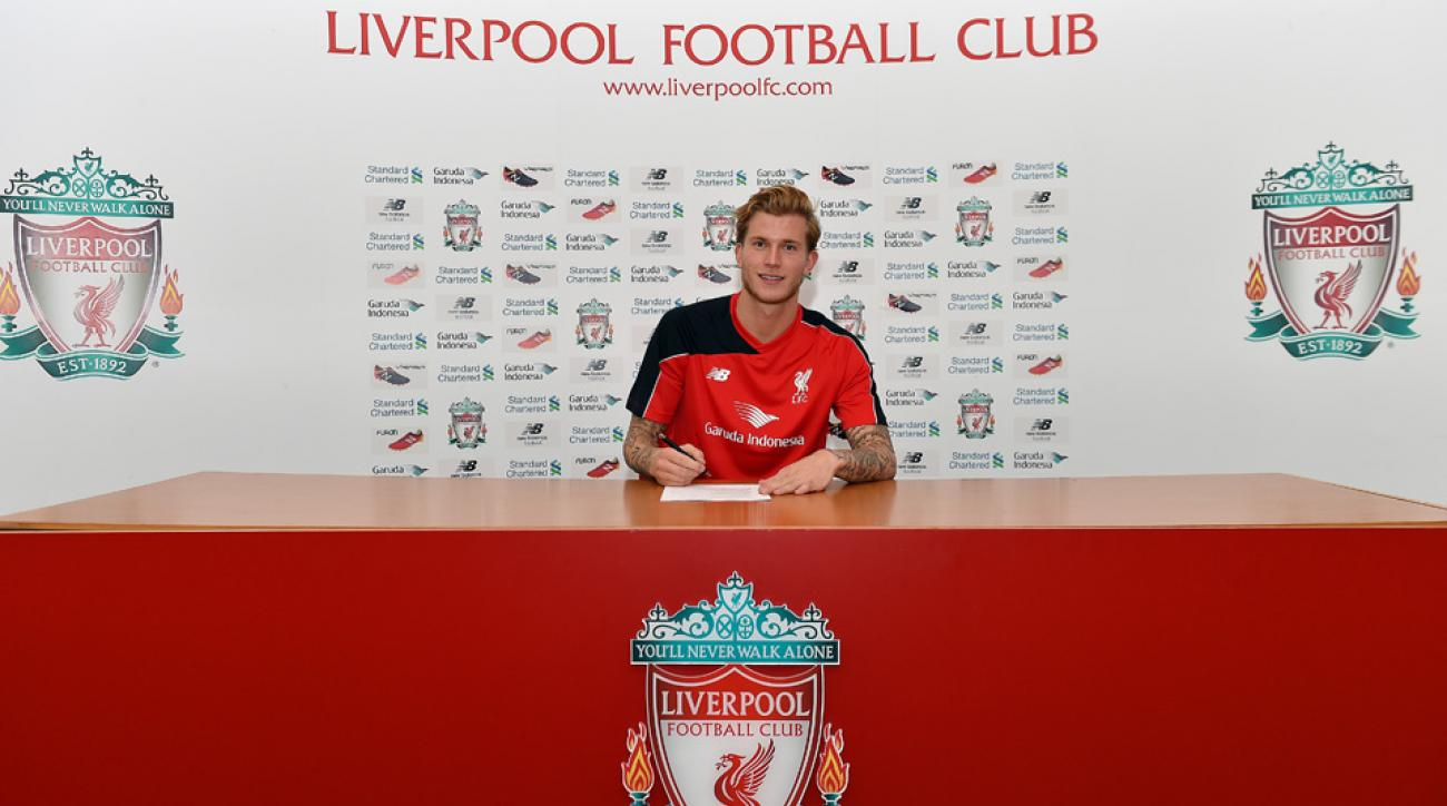 Loris Karius signs with Liverpool
