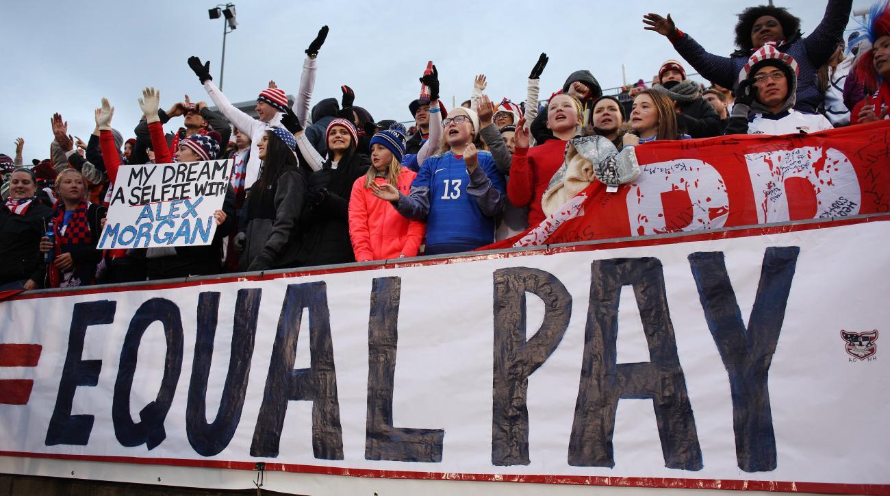 equal-pay-uswnt-resolution-senate