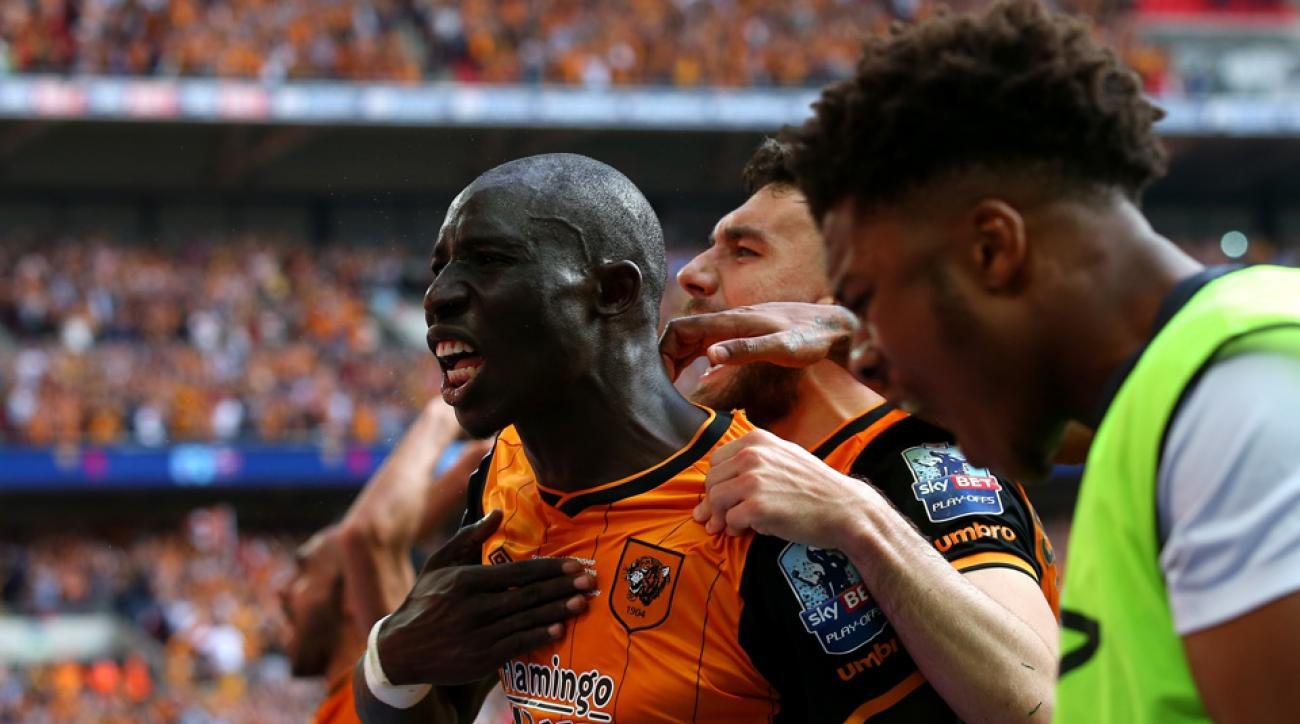 Mohamed Diame scores for Hull City against Sheffield Wednesday in the promotion playoff final