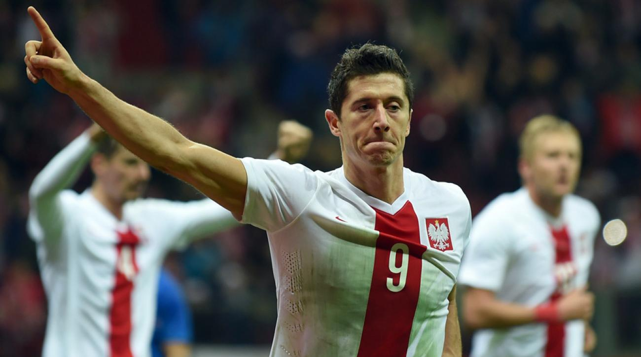 Robert Lewandowski leads Poland into Euro 2016