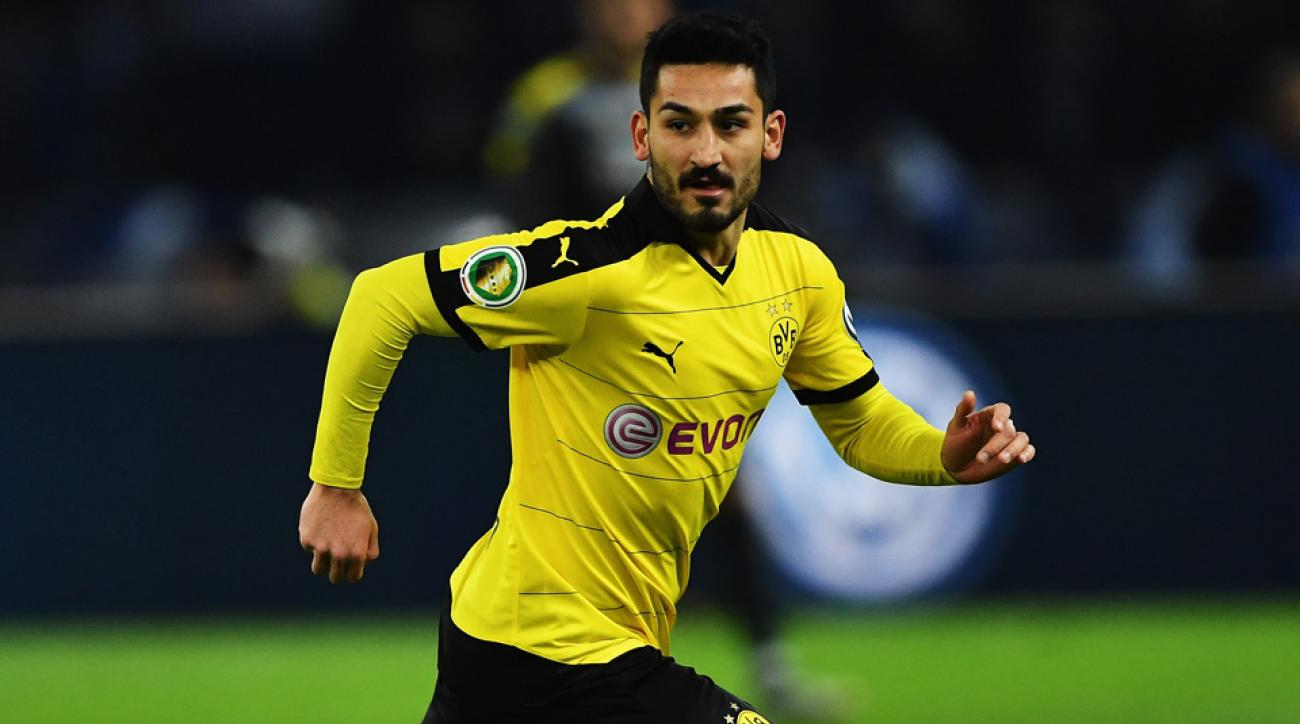 Ilkay Gundogan joins Manchester City from Dortmund