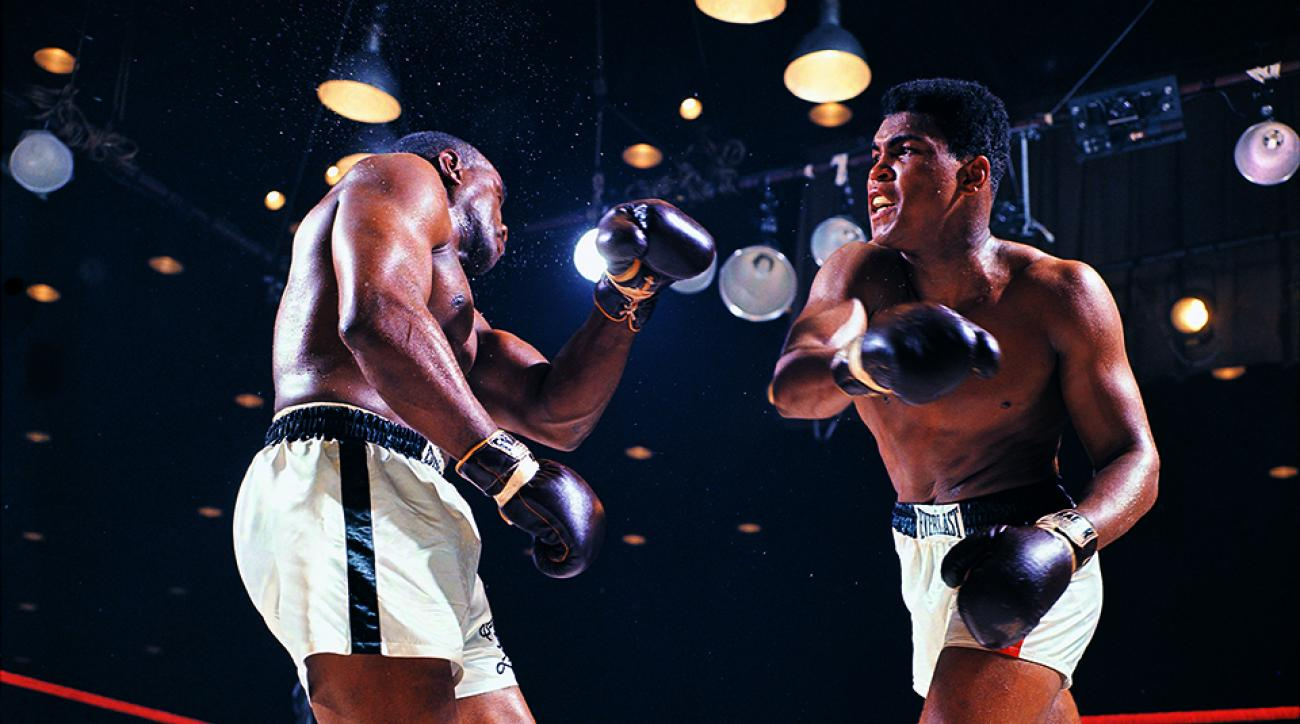 7fec475758 Muhammad Ali dead  How Liston fight started with bus