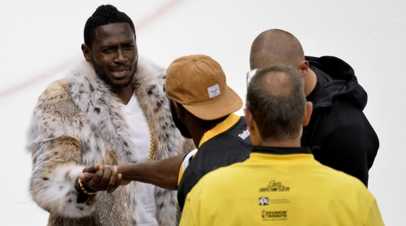Antonio Brown went to the Penguins game