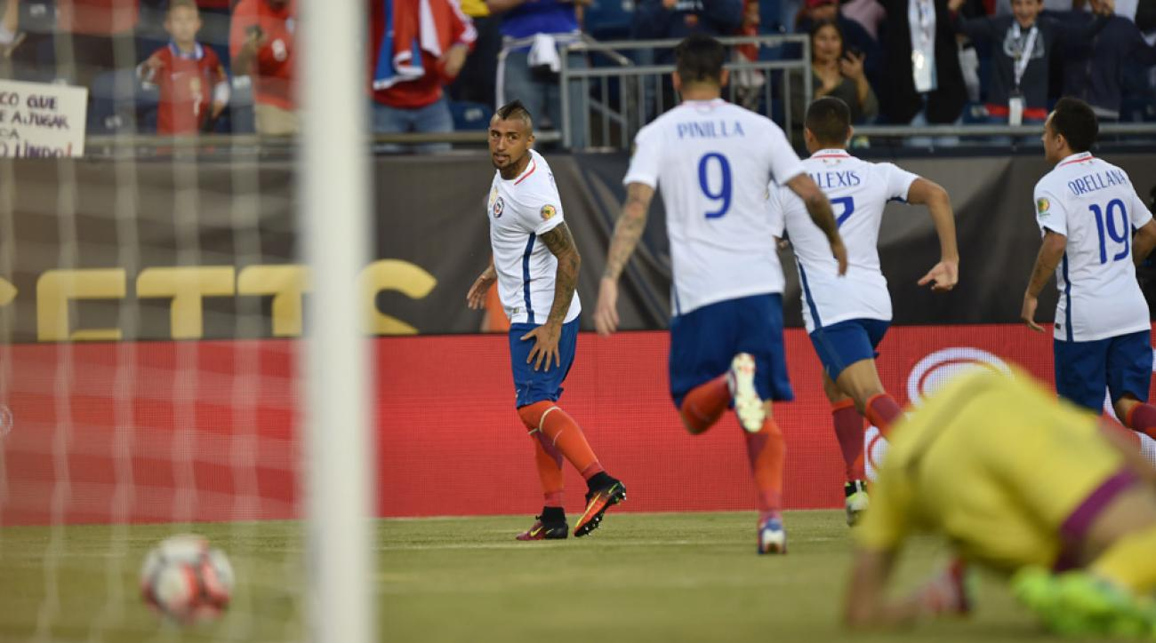 Arturo Vidal scores for Chile vs. Bolivia at Copa America