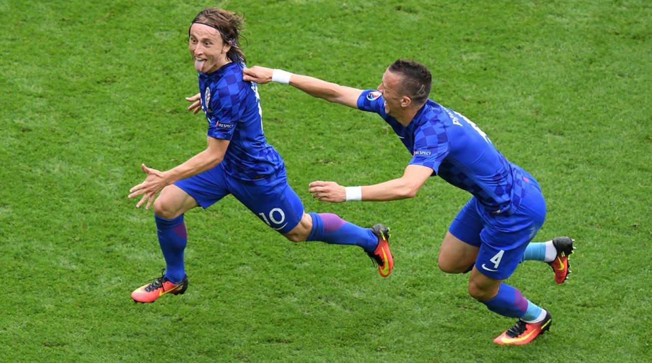 Luka Modric scores a wondergoal for Croatia vs. Turkey at Euro 2016