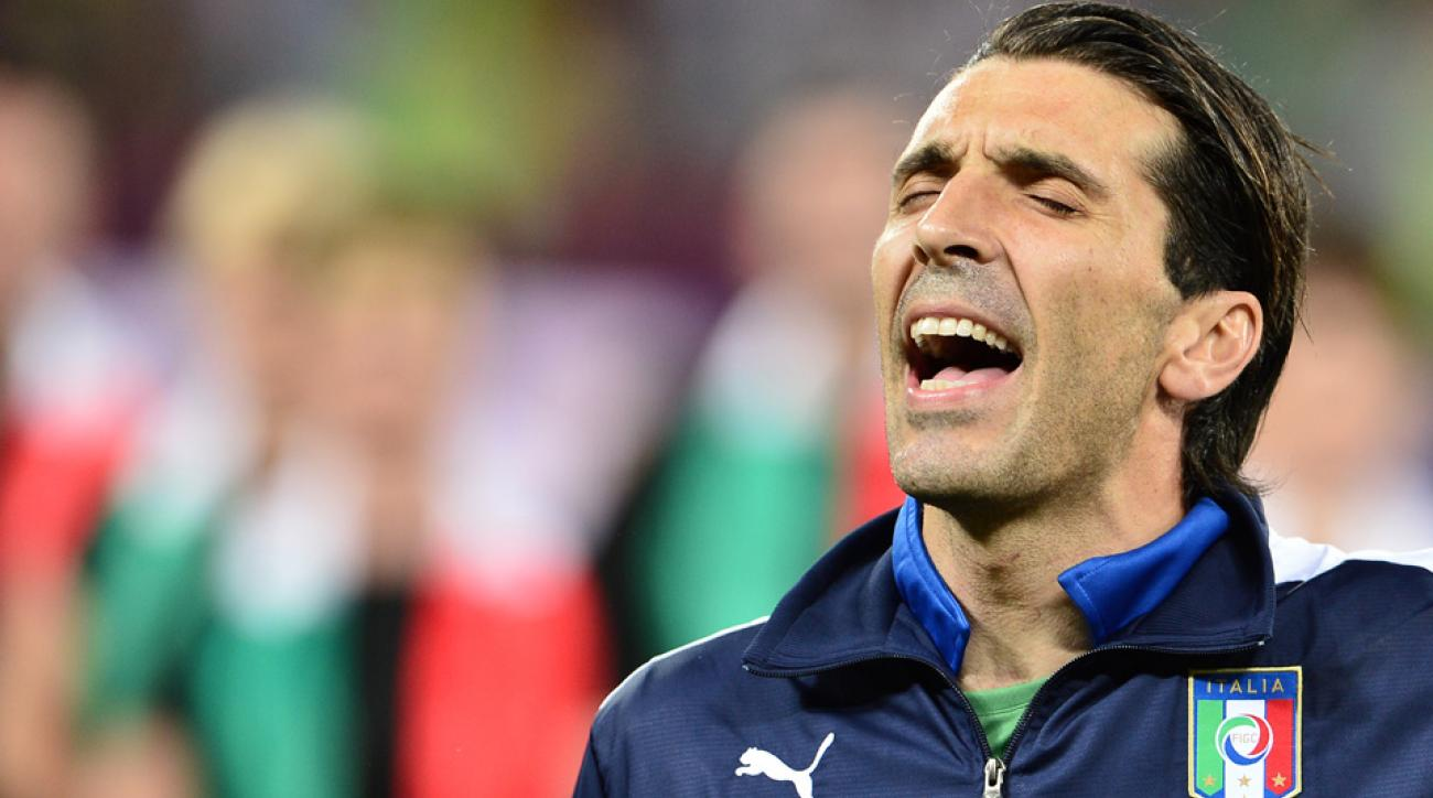 Gianluigi Buffon leads Italy at Euro 2016